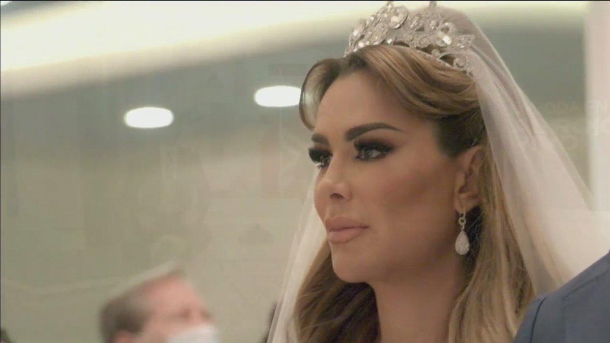 Todos los detalles de la boda de #NinelConde y #LarryRamos podrán verse el próximo domingo 29 de noviembre por #Telemundo. VIDEO => https://t.co/9pSss2Fee7 #BodadeNinelConde #Boda https://t.co/tsnDdlKPRq