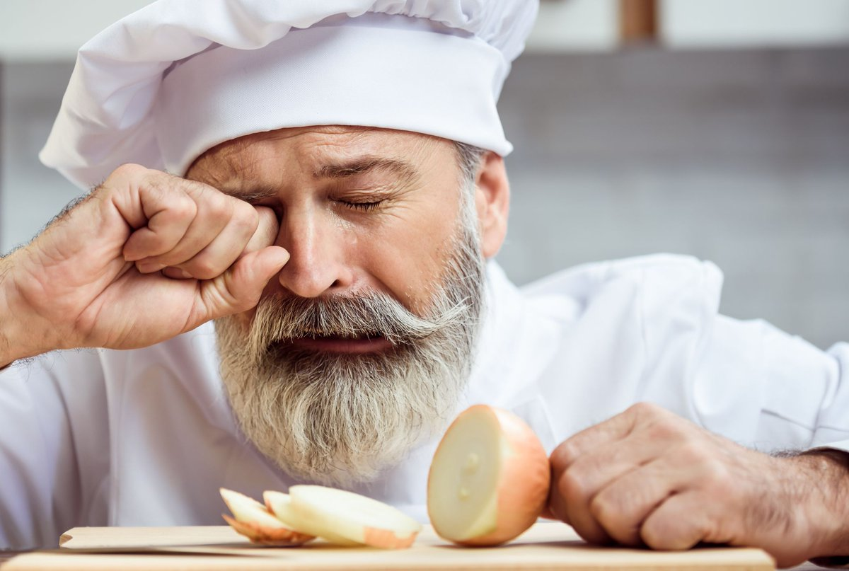 Mine eyes smell onions; I shall weep anon: - All's Well That Ends Well (A5, S3) #ShakespeareSunday
