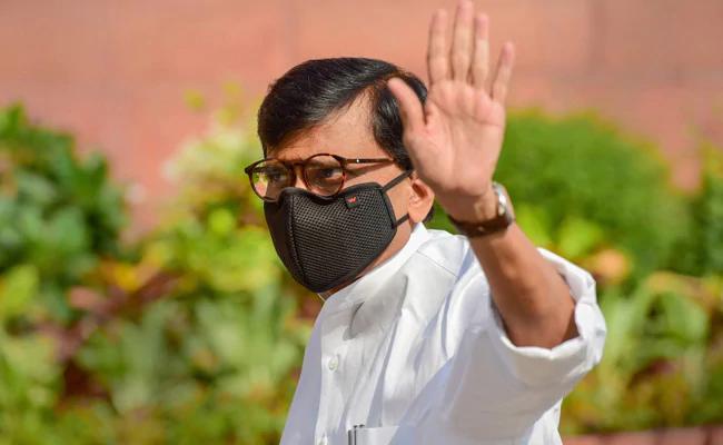 Sena's Sanjay Raut Hits Back At Devendra Fadnavis For Barb At Uddhav Thackeray