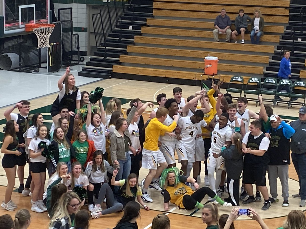 We have some flexibility to possibly add players at semester. Have to be a great fit - but a chance to impact a couple more guys.  DM this account with your info if interested.  Must be eligible to compete this Spring. #GoBlazers