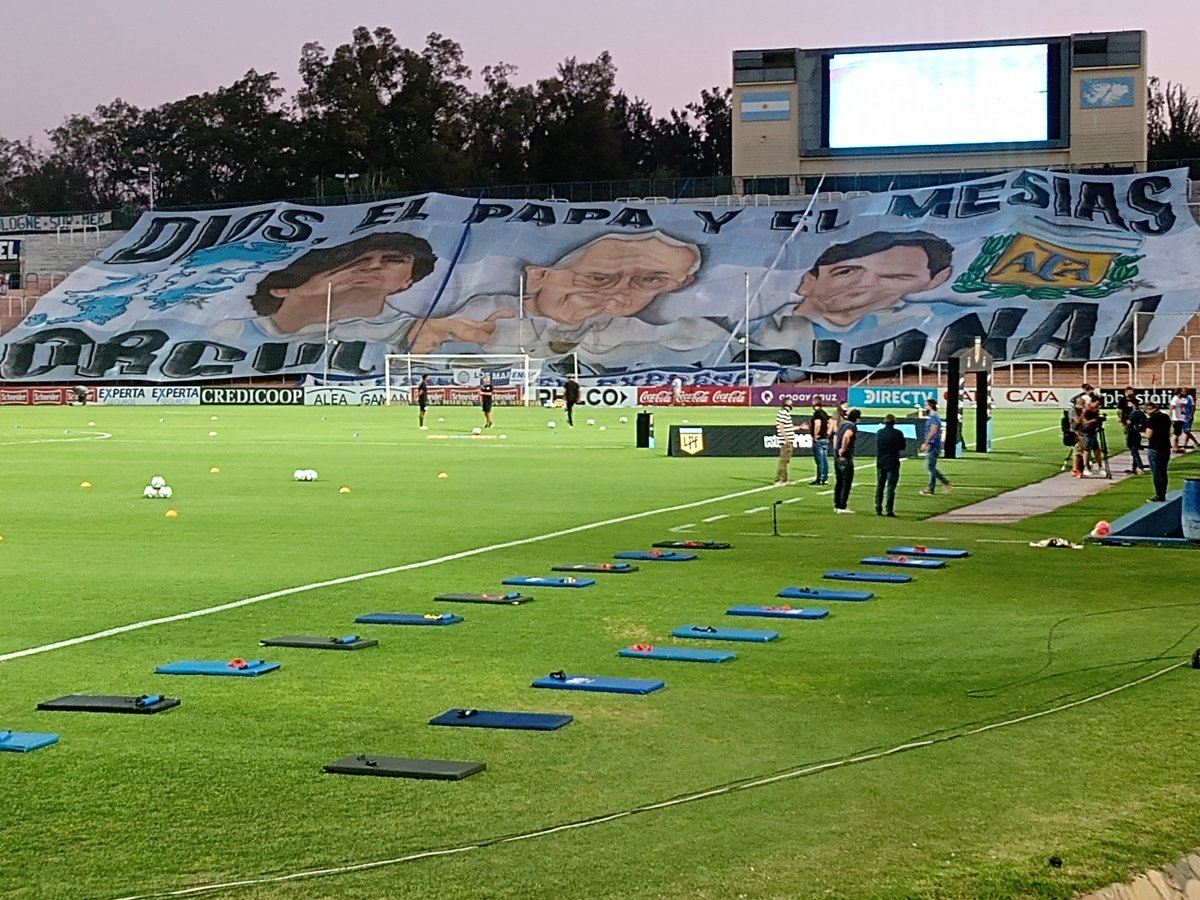 Esperando por Godoy Cruz vs Banfield @CAB_oficial @ClubGodoyCruz #maradona #messi #Mendoza #francisco #PopeFrancis