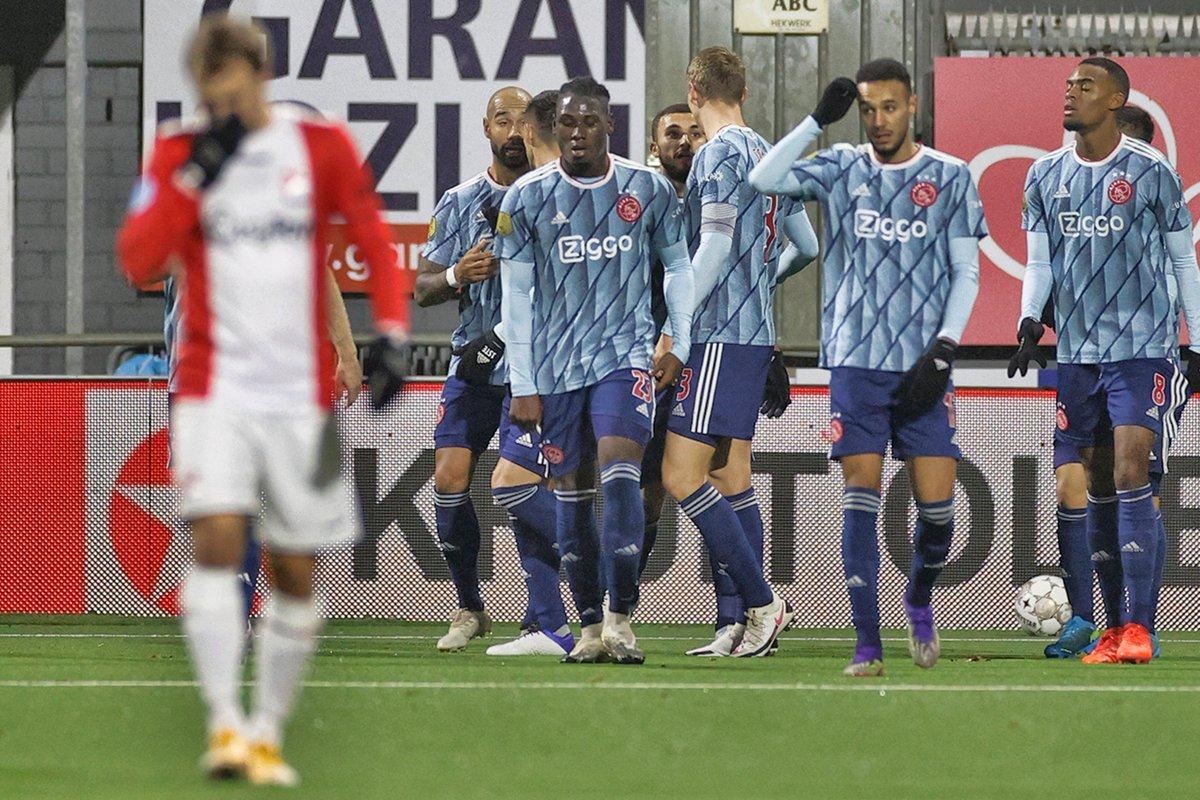 📅 Ajax Amsterdam selama bulan November:  ✅ 5-2 v Fortuna Sittard ✅ 2-1 v Midtjylland ✅ 3-0 v Utrecht ✅ 5-0 v Heracles ✅ 3-1 v Midtjylland ✅ 5-0 v FC Emmen  ⚽️ 23 Gol 🥅 4 Kebobolan  Tim paling buas di Eropa saat ini? 🤔 https://t.co/bwbctr7fcN