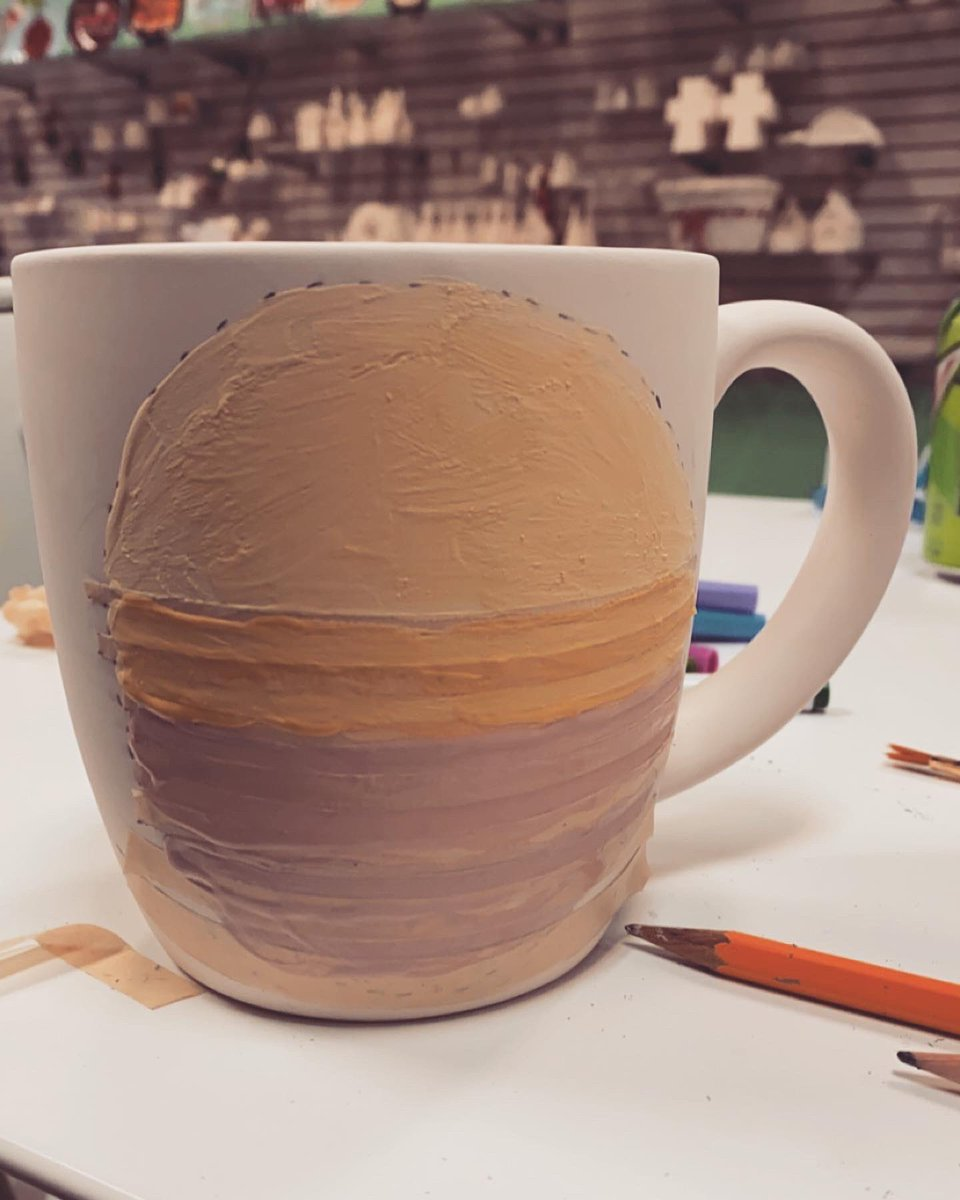 Look ma, I'm surfing the #retrowave. Thankful to Josh and Wynn for their patience in spite of my perfectionism, because I took FOREVER. Will show you how the final fired product turns out 🌅  #art #synthwave #aesthetic #retro #vector #mug #ceramics https://t.co/Hy0LKEeCYI
