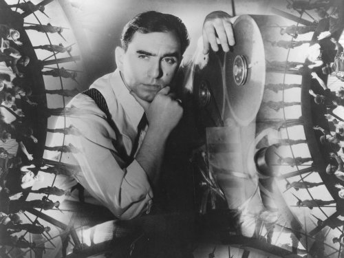 """""""In an era of breadlines, depression and wars, I tried to help people get away from all the misery . . . to turn their minds to something else. I wanted to make people happy, if only for an hour."""" 🎬 Great choreographer #BusbyBerkeley was born #onthisday 29 November 1895. #Film"""