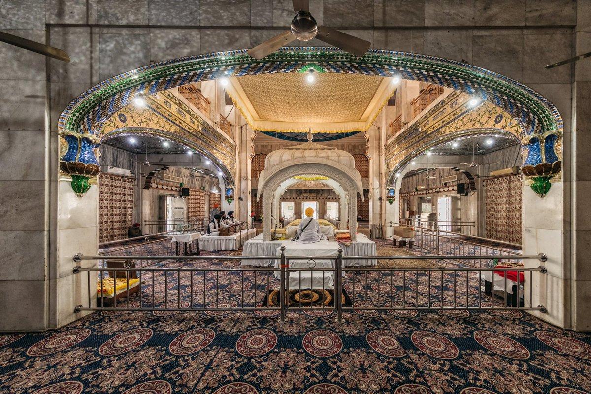Beautiful interiors of Guru Nada Sahib in #panchkula #haryana #india . Clicked nov 23, 2020 #travel #sikh #faith #gurudwara #nadasahib #architecture #carpet #natgeotravel #voyaged @voyaged @natgeotravellerindia