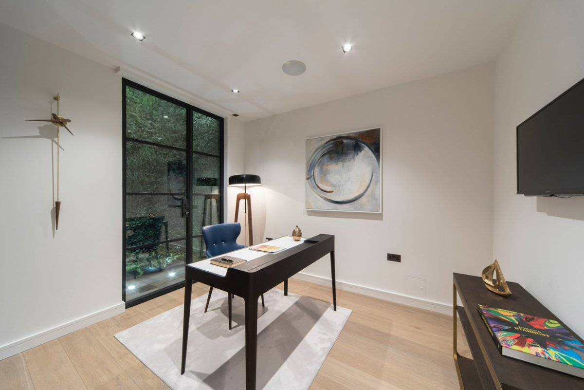One of our #completedprojects, home to Ellie Goulding, is now on the market.   You can read a review of the London home here, which we installed #steelframed #internalglazing throughout >>> https://t.co/xhZnNkD4yg https://t.co/TfzQV94lbR