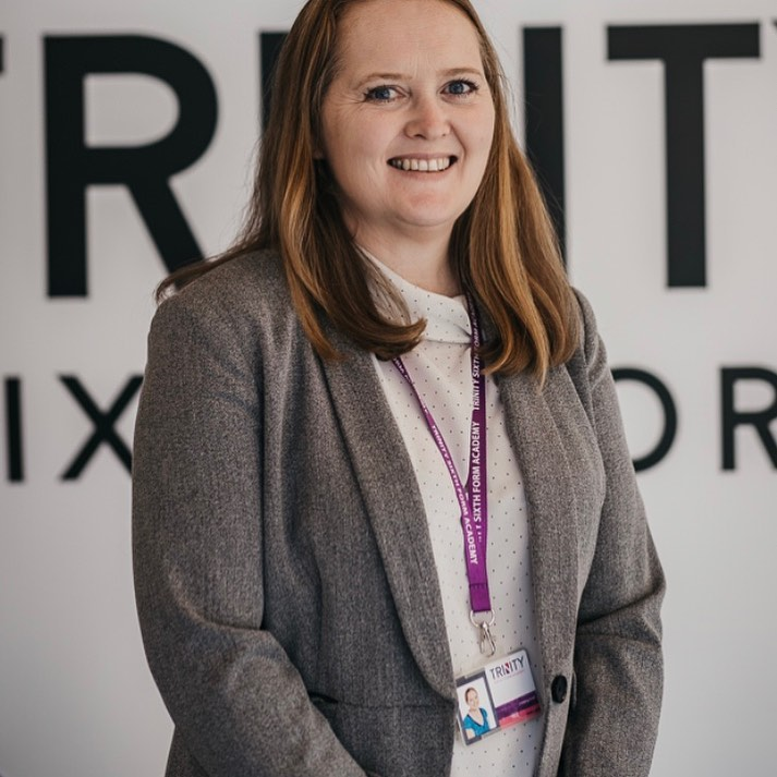 ✨ Meet the Team ✨ Jayne Golding-Smith is one of the Assistant Principal's at TSFA & teaches both A level and BTEC Business. Alongside teaching, she works for Pearson (Edexcel) exam board as a Team Leader for A level Business. 📈📊🧮 #MeetTheTeam