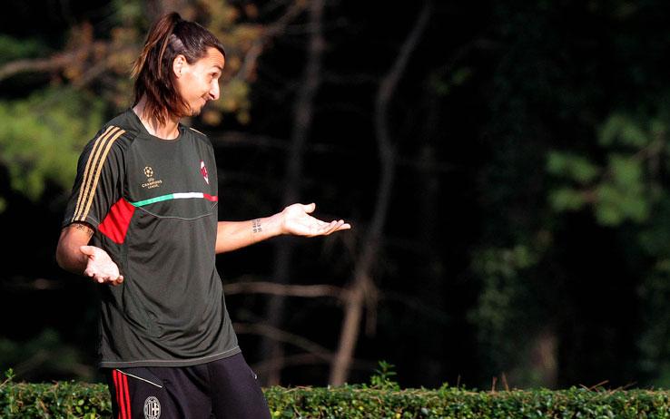 Anche il vice di #Pioli positivo al Covid... Chi farà l'allenatore del #Milan ❓❓❓  Semplice.... #Ibrahimovic 😂😂 https://t.co/F8ZzlJ1MP2