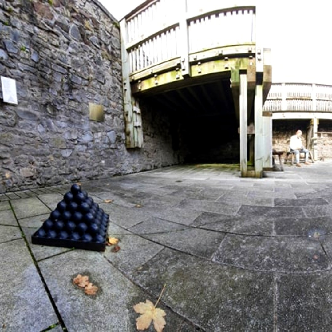 Have you heard of the saying It's cold enough to freeze the balls off a brass monkey? Some say that the brass triangles that held cannonballs were called monkeys. In cold weather the metal contracted, causing the balls to fall off!  #purecork #irelandsancienteast #corkcitycouncil https://t.co/uE7zwdPyIf