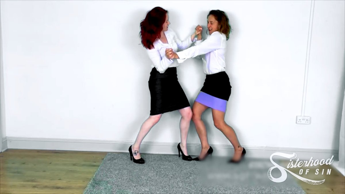 Its a Wild Women classic as @InfernoWrestler and @MsDCarrington squeeze the life out of each other #trib #footfetish #bearhug #outWEDNESDAY #SOS0246