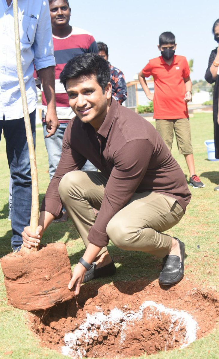 .@actor_Nikhil accepted #HaraHaiTohBharaHai #GreenindiaChallenge   from @Rajaraveendar Planted 3 saplings. Further He nominated #18pages entire team @anupamahere #avikagor @swati_colors  to plant 3 trees & continue the chain.special thanks to @MPsantoshtrs for taking this intiate
