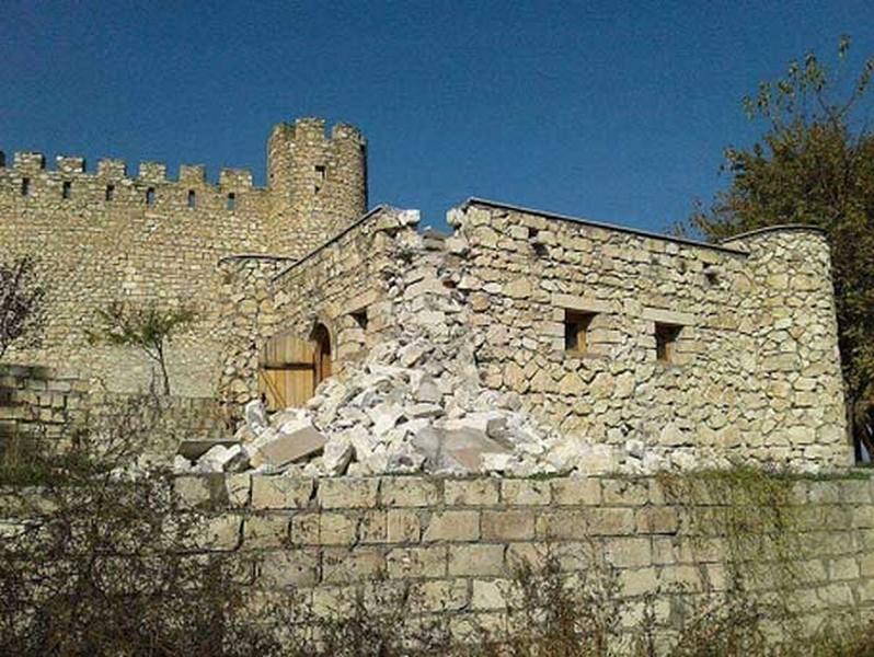 Bayat Castle in Azerbaijan. We are planning many excursion tours for traveling azerbaijan. Join to our tours for future! #Bayat #Castle #Azerbaijani #castle #Bayat #Castle #earth_shotz #natureisbeautiful #naturepicture #alaskanhusky https://t.co/Cu6NAr7kol