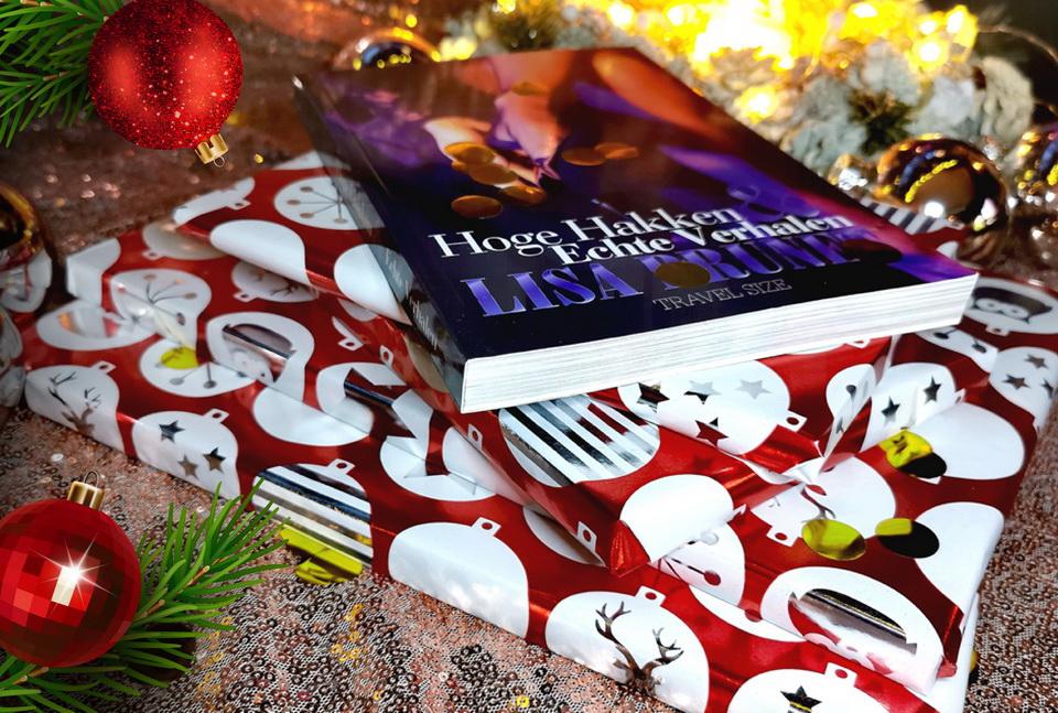Bestel op tijd jouw origineel gesigneerde exemplaar van mijn boek Hoge Hakken & Echte Verhalen! Een boek voor hem en haar! Een verzameling van mijn 100 beste columns. Afmetingen: L 21x30 en M 21x15 cm. Aantal paginas: 236 paginas inclusief cover. shop-lisabrunet.com