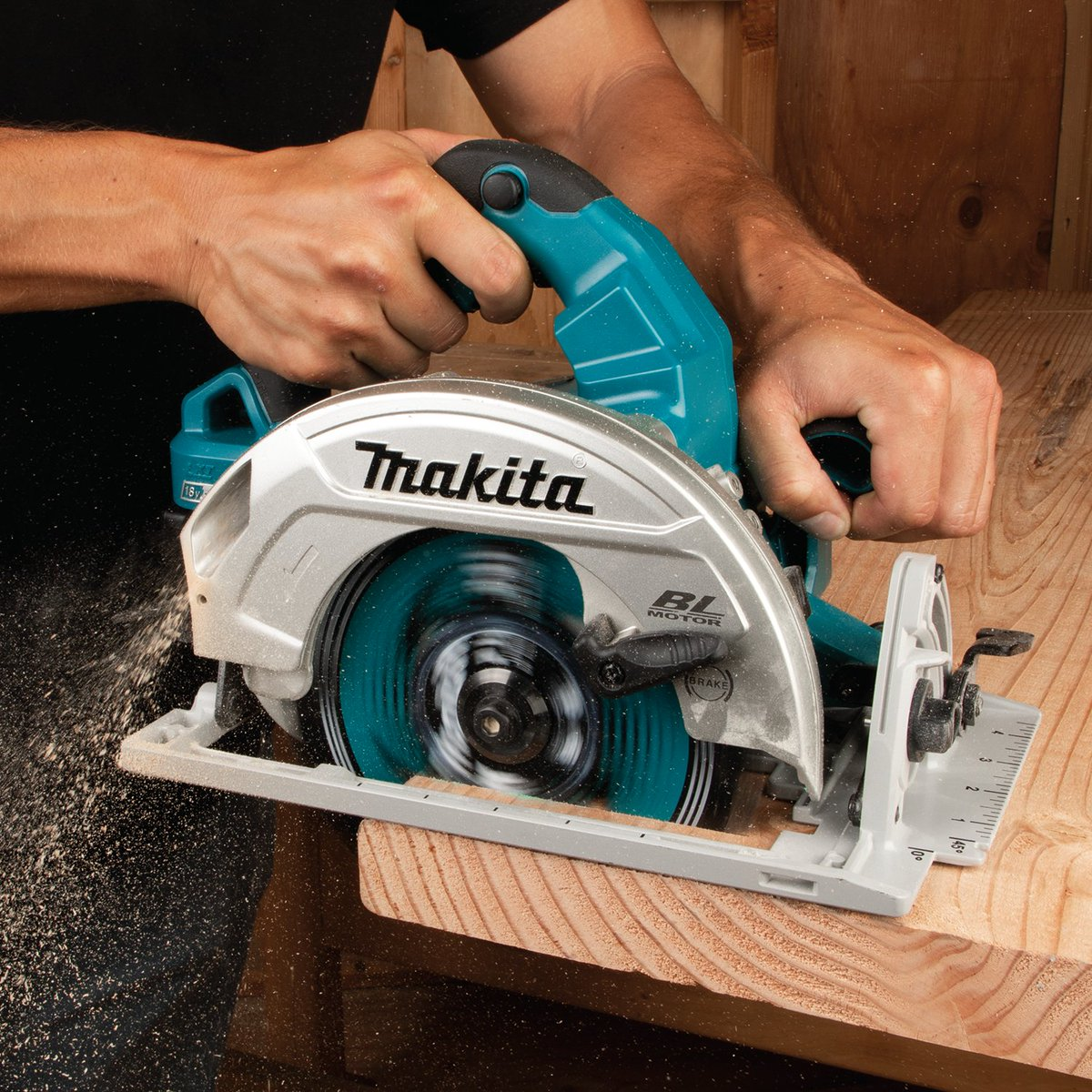 """GET CORDED POWER WITH CORDLESS CONVENIENCE The18V X2 LXT (36V) Brushless 7-1/4"""" Circular Saw makes up to 610 cuts per charge in 2x4 SPF lumber using two 5.0Ah LXT batteries.   Learn more about this and other promotions at   *One (1) package of BL1850B-2"""