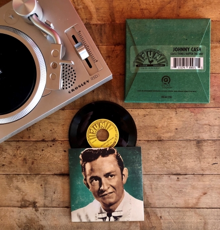 Once again, we've partnered with our friends at @sunrecords and @recordstoreday to create a set of 3-inch records for the RSD3 Mini Turntable. This time around, we've focussed solely on the man in black himself, @JohnnyCash. Coming on #RSDBF. Read more: orgmusic.com/blogs/news/joh…