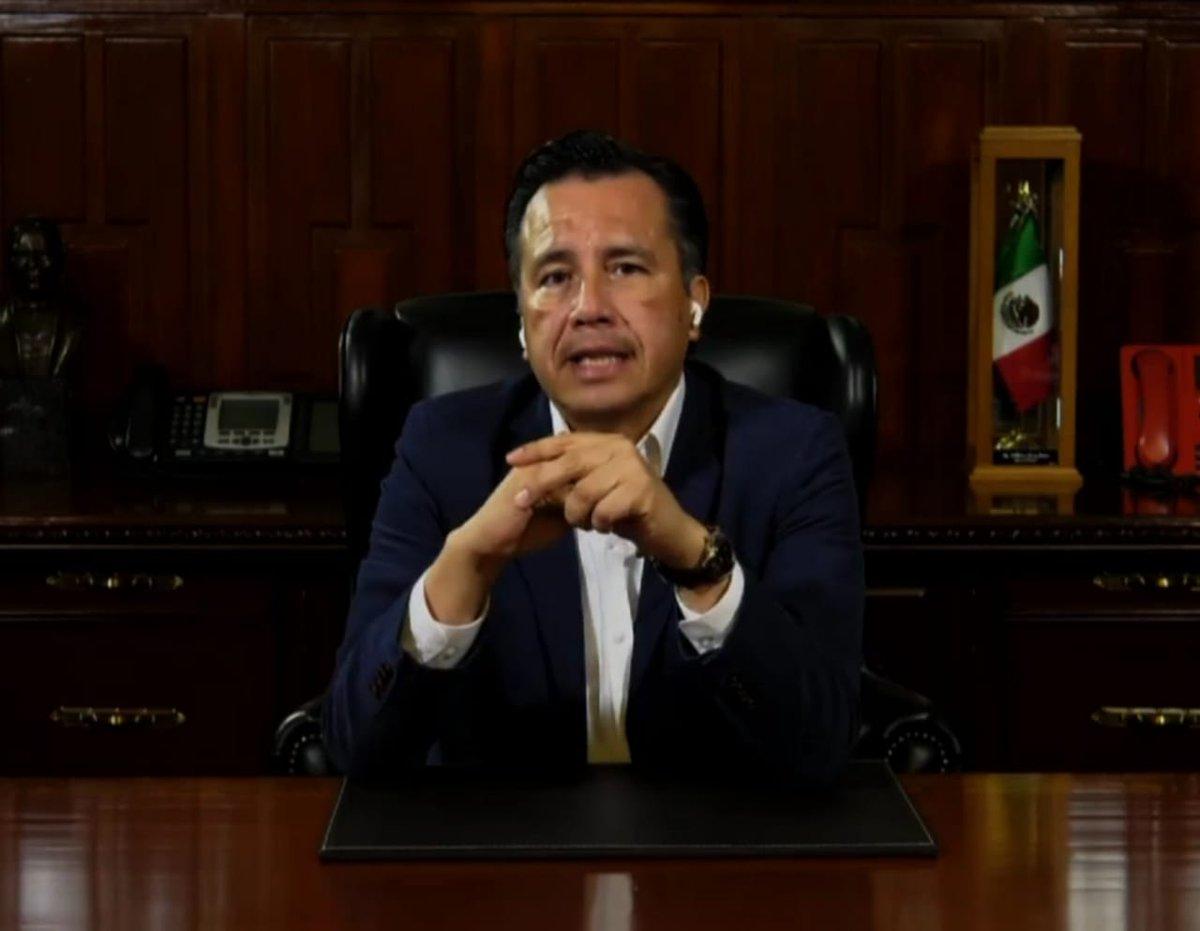 #AlAire El gobernador @CuitlahuacGJ informó que presuntamente hay dos personas identificadas por el asesinato de la alcaldesa de Jamapa, Florisel Ríos Delfín. https://t.co/CdRG9cvFBl