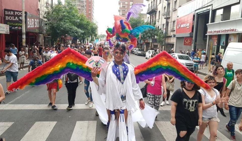 @ItGetsBetterMx @Alex_Orue @TwitterSeguro les mostramos a Angel del Orgullo personaje principal de la marca, este personaje es un homenaje a los miembros de nuestra comunidad LGBTQ+ que ya no están, tal ves maltratados por la sociedad, elles que no estan son nuestros Angeles del Orgullo!!!
