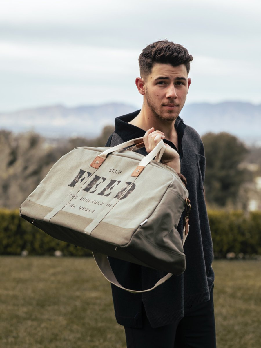 You can make your gifts count this holiday season and help them reach their goal. They've got bags, jewelry, skincare products, artisan wares etc. Take a look at our picks by visiting the link in my bio.  @FEEDprojects  @nickjonas  📸: @_divyajyoti   (3/3) https://t.co/vABjZ291gt