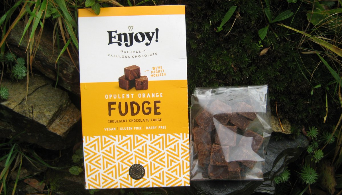 @veganhour We indulged ourselves with a pack of Opulent Orange Fudge from @joyofenjoy. #veganhour