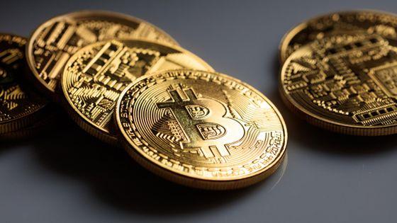 【仮想通貨】ビットコインが約3年ぶりの高値を付ける、時価総額も過去最高を記録17日に1万7864ドル(約186万円)を記録。今年の値上がりは景気刺激政策の影響などが要因とのこと。