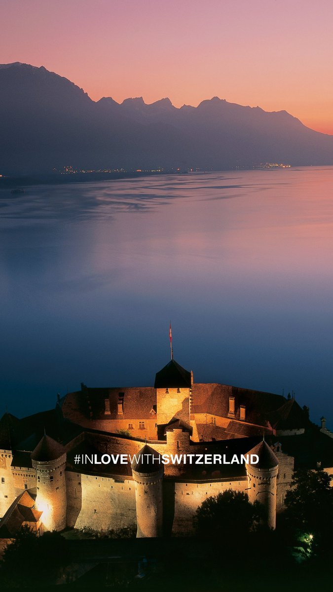 #WallpaperWednesday: Get inspiration for your dreams directly on your smartphone - with the most beautiful aspects of Switzerland. #IneedSwitzerland      📍Chillon Castle, @regionduleman