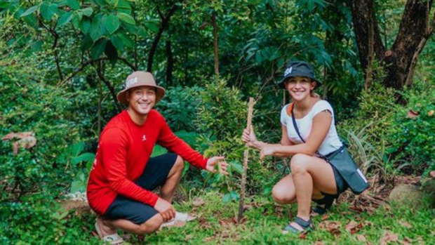 LOOK: Rocco Nacino, Melissa Gohing plant trees in Mount Purro, Antipolo https://t.co/bpnWu5h4ip https://t.co/qWcpjMwWUv