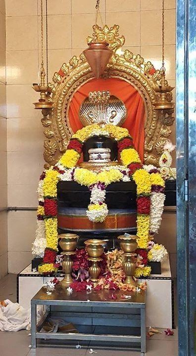 Photo Credit: Nalayni 121 from Pinterest ( https://t.co/fgpheO84nK ) May Lord Shiva bless all of us 🤗. #namastegod #shiva #lordshiva #kedarnath #kashi #hindu #haraharamahadev #mahadev_har #jyotirlinga #linga #somanath #somnath #mallikarjuna #mahakaleshwar #omkareshwar https://t.co/qNYMRNPjQA