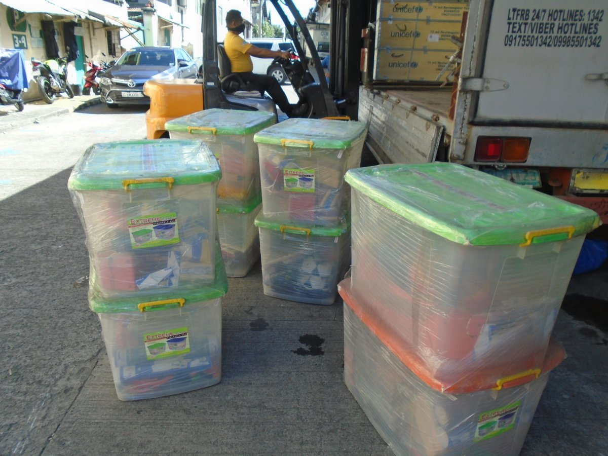 Emergency response update: school-in-a-box kits and tents for safe child-friendly spaces where children can play are now being delivered to #Albay. Help us reach more typhoon-affected areas by donating at
