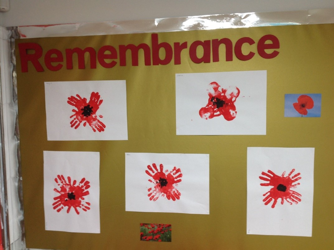 In Alder class we have been busy creating a Remembrance Day display... We got creative with our hands and red paint to make poppies 🖐️❤️ #RemembranceDay