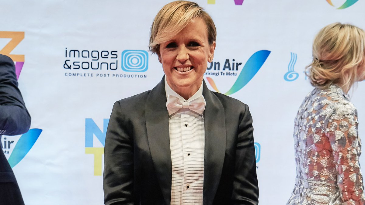 .@SevenSharp's @Hilary_Barry crowned TV Personality of the Year at NZTV Awards https://t.co/gc4BKsx8H6 #NZTVA2020 https://t.co/dcyN8cXsch