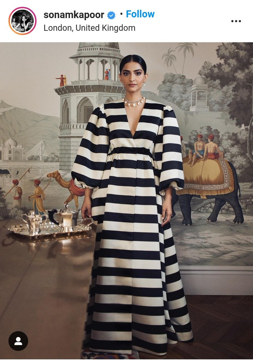 @sonamakapoor That's herd of zebra. Where are you?