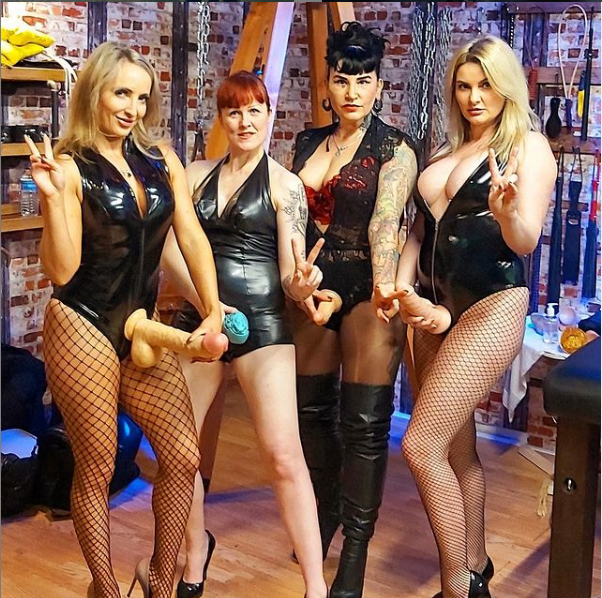 some of our beautiful Mistresses in our pain palace studio before lockdown having fun doing what they do best 😈📸 @Miss_KittyBliss @AvaVonMedisin @borgia_lady @MissCourtneyM #Mistresses #painslut #INK #bdsmpublic #TightyWhitieWednesday #straponlove