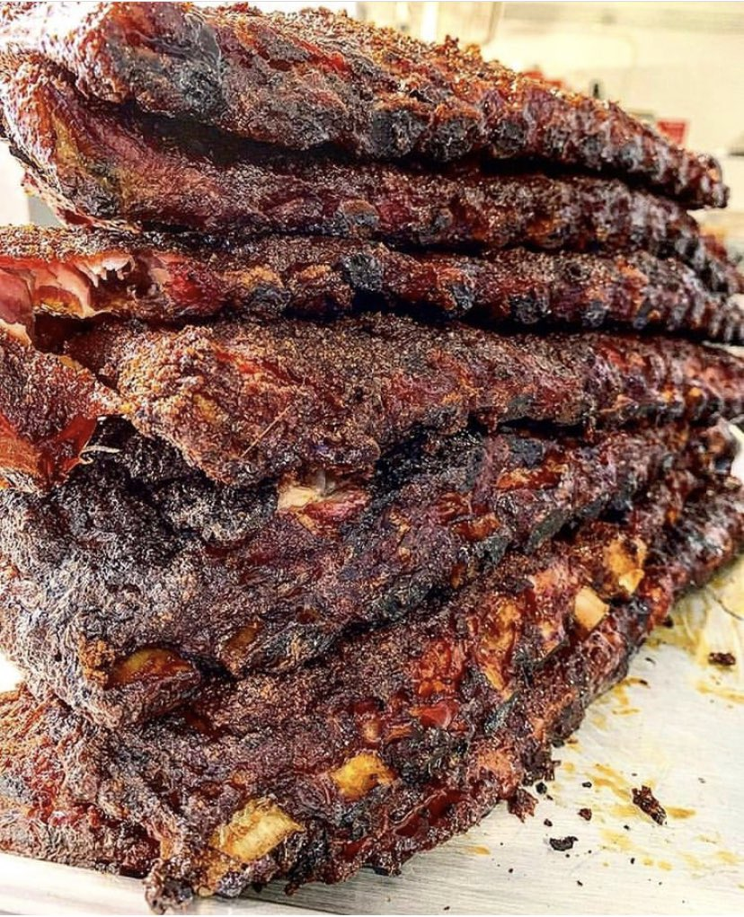 Rib stacks. Come warm your bellies with our dry rubbed St. Louis cut ribs for lunch! #charlieschattanooga #chattanooga #stlouisribs https://t.co/aV9vg2CRIL