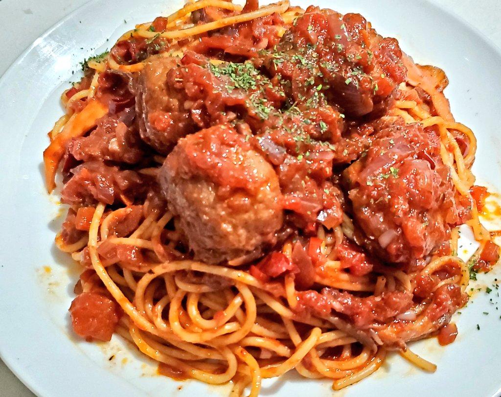 今週の金曜ロードショーは、『ルパン三世 カリオストロの城』なので、ミートボールスパゲッティのレシピを書き出しました✨家族や友人、大切な人と分けあって食べてね!僕は次元の様な仲間はいないので、一人で食べます…(´;ω;`)ウッ…#ジブリめし#ルパン三世
