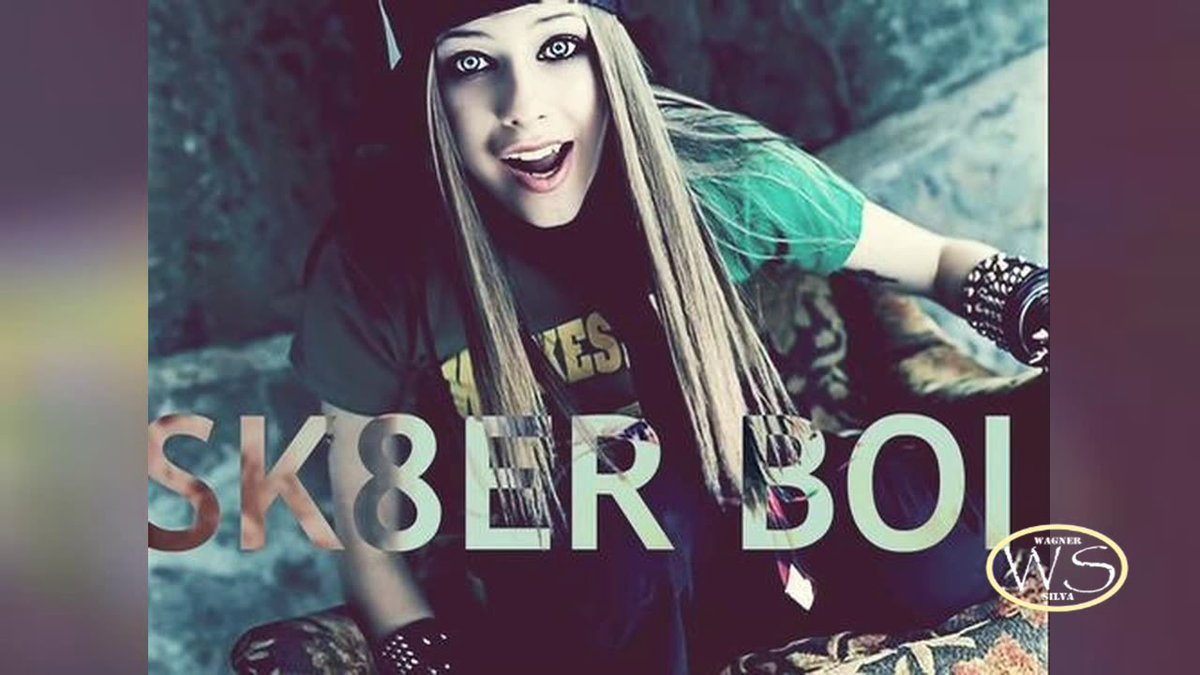 #Np SK8TER BOY @AvrilLavigne   #RoadShow with @iamdorkong   #deekay  #BeSafe  #AdoptionDay #Roadsafetyweek #OldiesButGoodies #OldSchoolWednesday   Listen live: https://t.co/JVTMuV7sdn https://t.co/IAWtvc1sER