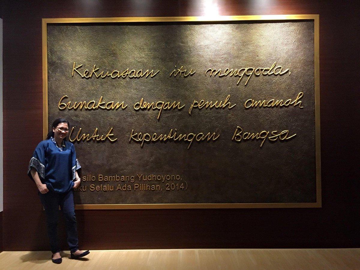 Quote ini dipilih oleh Pak @SBYudhoyono untuk Museum Kepresidenan di Bogor saat diresmikan tahun 2014. Saya menemukan kembali quote ini, dari memori FB beberapa tahun silam. Masih relevan u jadi penanda jaman agar Pemimpin bijak gunakan kuasanya. Sehat selalu Pak SBY 🙏💙🇮🇩 https://t.co/r1aGJV9Z0k