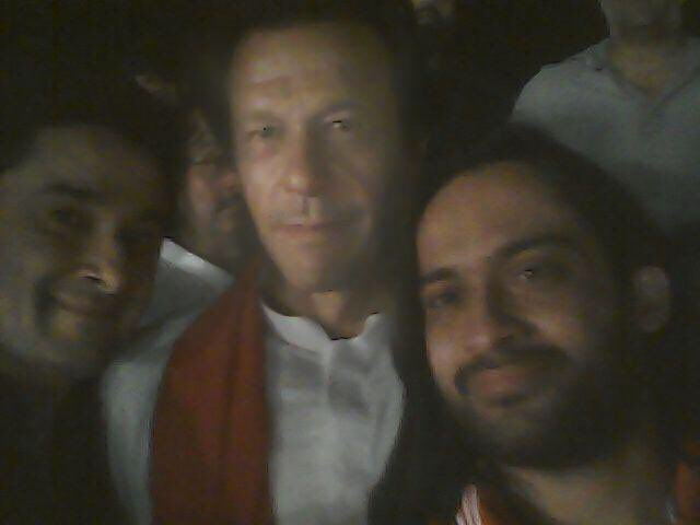 Dear Prime minister @ImranKhanPTI we want you to meet  @ZakaWaqar because this man has some plans for our future and want to discuss with you.. And as a citizen of pakistan he has right to meet prime minister. Now or Never #imrankhanmeetwaqarzaka https://t.co/ORcwoFFRZz