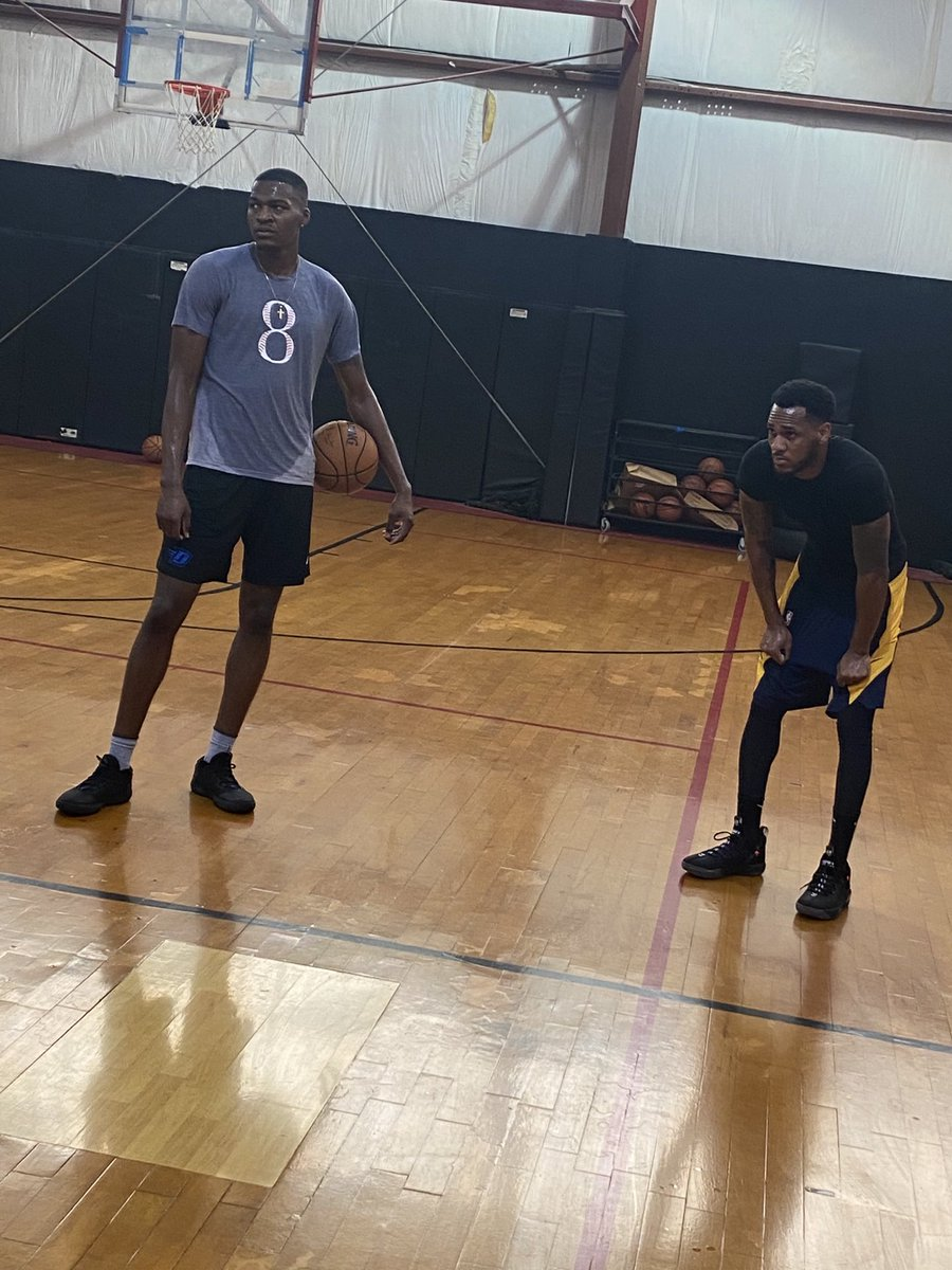 .@Bball_paul x @BigGameTae getting some work in before the #NBADraft tonight #OctagonFamily 😤🏀 https://t.co/2fYfQwMn6X