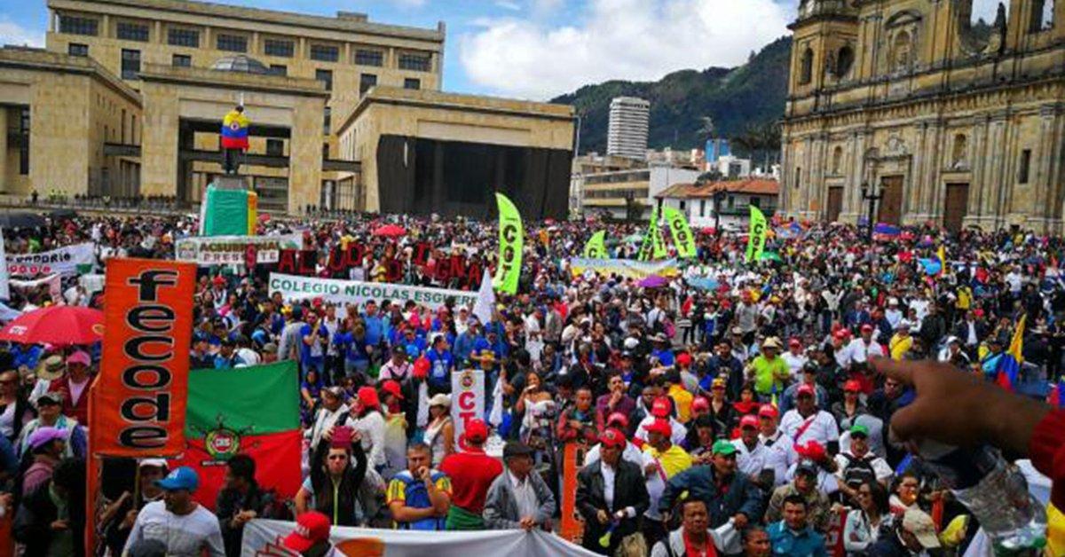 Infobae   Estos son los puntos de concentración en Bogotá para el Paro Nacional este 19 de noviembre https://t.co/tYwR6og9H0 https://t.co/llvX43ocLV