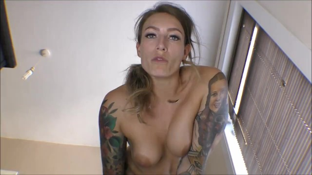 I love my customers. Just sold: Giantess Ava.Worship my FEET tiny people: modelhub.com/video/ph5f1f1b…