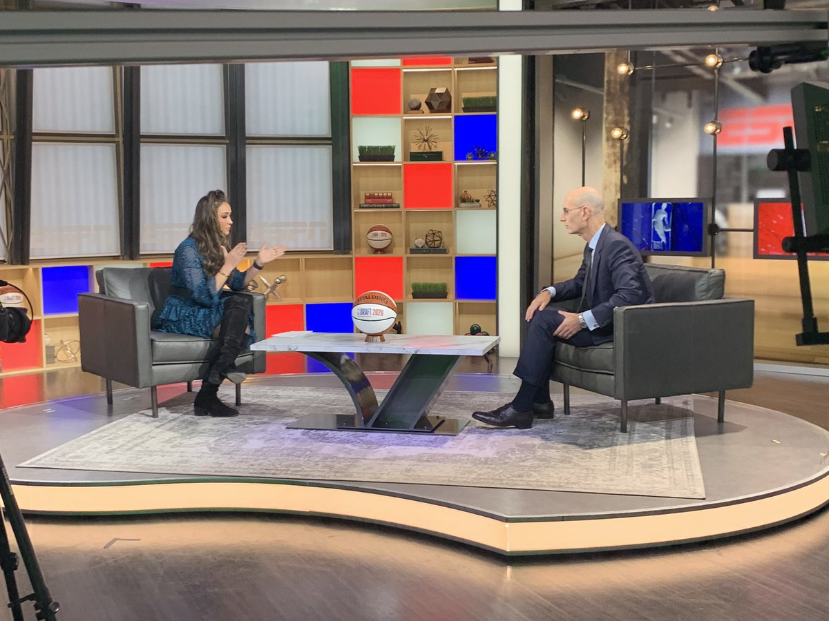 🏀 ESPN host and reporter @CassidyHubbarth sits down with NBA Commissioner Adam Silver for an interview to air on #HoopStreams tonight just after 7:30 p.m. ET.  Hoop Streams on Twitter/Facebook/IG and the ESPN App along w/ @OmarESPN, @NabilKarimESPN & @KendrickPerkins.