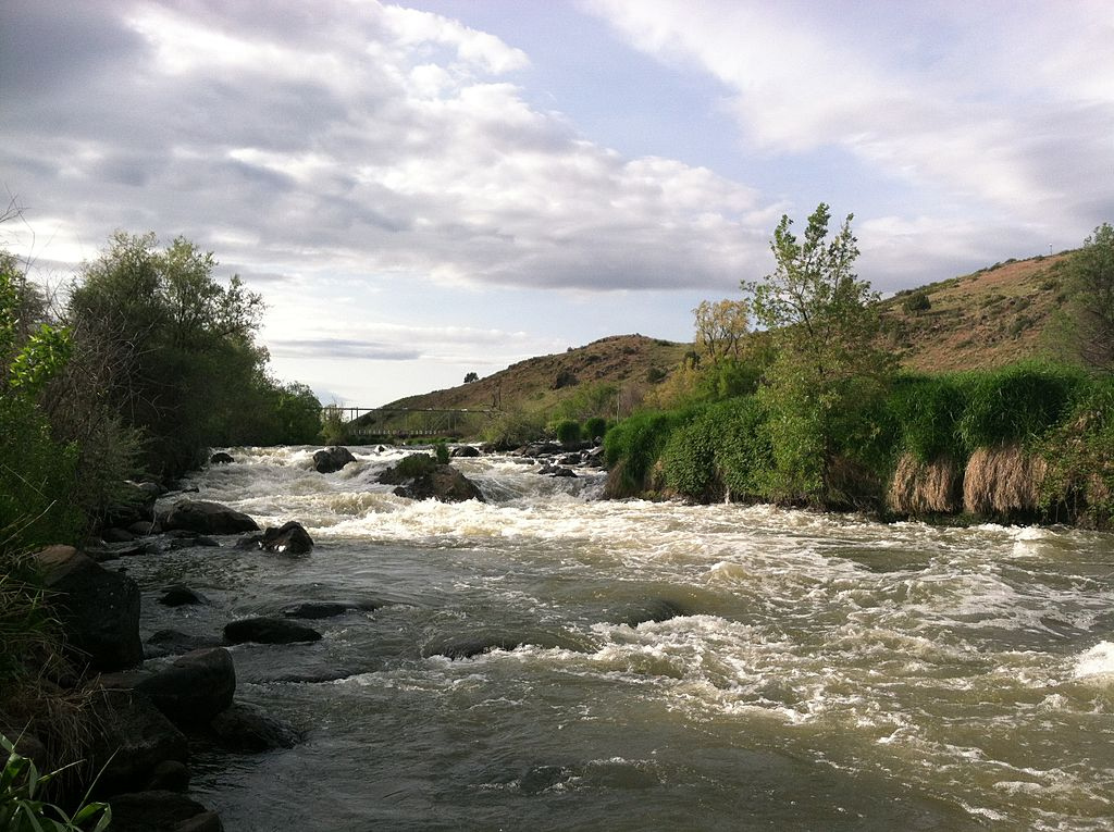 We applaud @OregonGovBrown @cagovernor r for embracing dam removal on the Klamath River. Thank you for your leadership @theyuroktribe, Karuk Tribe. bit.ly/klamath-dam-re…
