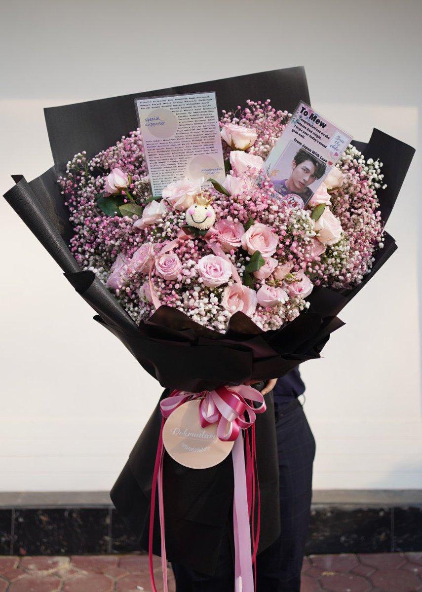 皆さまからのドネーションより、Nan  Naイメージのピンク&黒のお花 、こちらを準備いたしました ✨  #NanNaPressConxMSS #MewSuppasit  #MewSuppasit_JP