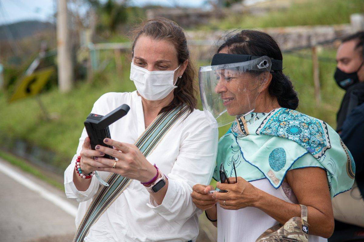 """Karen Abudinen on Twitter: """"Hoy continuamos acompañando al presidente  @IvanDuque en la atención de la emergencia ocasionada por el paso del  #HuracánIota en San Andrés, Providencia y Santa Catalina. Se entregaron  alimentos,"""