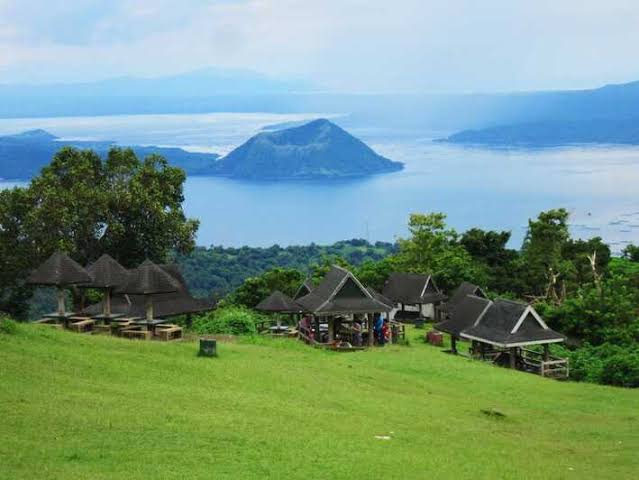 @winglobalfc @winmetawin Here in Tagaytay,Philippines, its a top tourist spot where you can feel the cold weather and  aesthetic view of Taal Volcano in Taal Lake of Batangas its perfect location to confess your love to someone  #winmetawin @winmetawin https://t.co/V2IPBM0WBZ