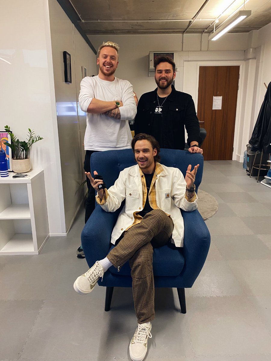 Our episode with the lovely Liam Payne is out now!  The boys cover everything from Liam's time on X Factor and untold One Direction stories, right through to his solo career and his struggles with fame.  We also talk about meal deals, ghosts and YouTube!