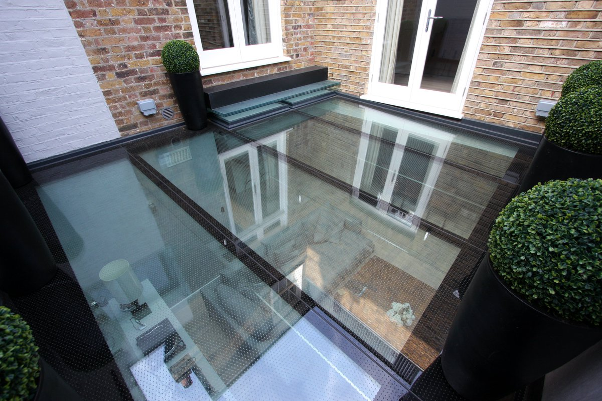 #Glassfloors are perfect for making a dramatic #designstatement – with #walkonglass available for safe access.   You can read the full #casestudy of this project here >>> https://t.co/Y8ATEEj1Z7 https://t.co/vsS9AGfP0W