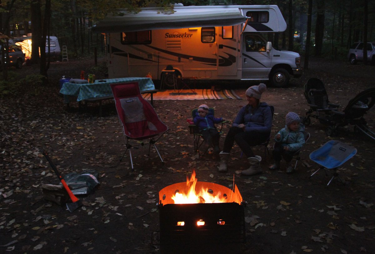 🚨Vacancy Alert! 🚨  🍂We have opened up more than 50 additional campsites at Mew Lake Campground for this upcoming weekend including waterfront hydro sites!    https://t.co/85engWq1K1 https://t.co/GWC4Wju5eV
