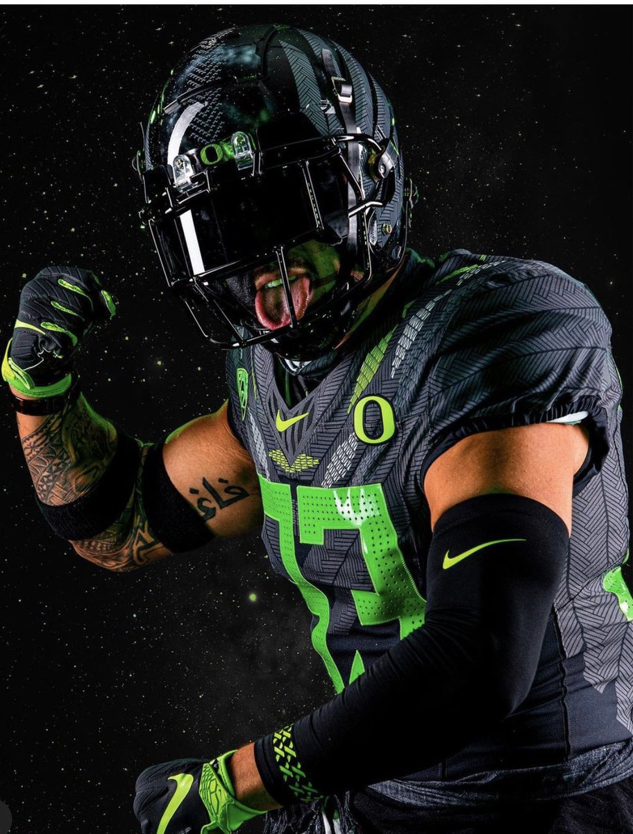 Replying to @CoachDonJ: I'm sorry college football but we will always run the uniform game. #Ohana #GoDucks