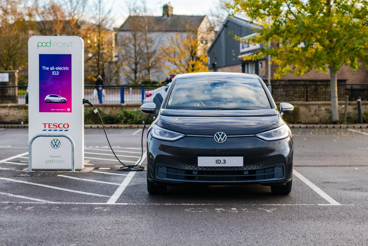 That's right. Free 7kW chargers at over 270 Tesco stores in the UK thanks to our partnership with @UKVolkswagen & @Tesco. Plus many more to come. 👇 https://t.co/ooRbqaMnBR
